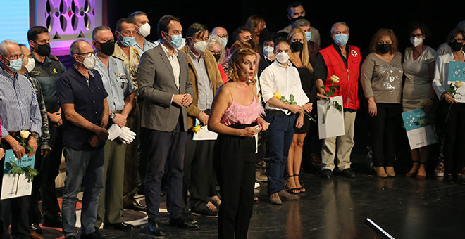 Homenaje a los que lucharon contra la pandemia